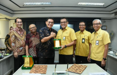 Tekan Impor, Petrokimia Gresik Gandeng SBRC IPB Produksi Surfaktan - JPNN.com