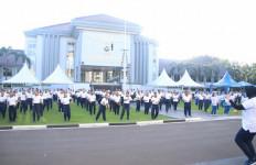 Wadan Lantamal III Olahraga Bersama Kasal di Seskoal - JPNN.com