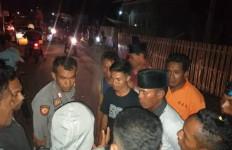 Oknum Kepala Sekolah Bejat Cabuli Siswi, Puluhan Warga Marah dan Blokir Jalan - JPNN.com
