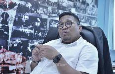 Kritik Tajam Irwan Fecho kepada Pemerintah soal Masuknya 153 WN Tiongkok - JPNN.com