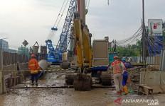 Pipa Gas yang Bocor di Cakung Dekat SPBU, Akses Jalan Masih Ditutup - JPNN.com