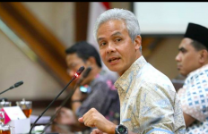Wabah Virus Corona, Ganjar: Setujukah Anda jika Acara Keramaian Ditunda Sementara? - JPNN.com