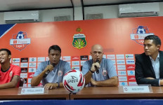 Osvaldo Haay Siap Adu Kemampuan dengan Seniornya, Ruben Sanadi - JPNN.com