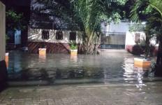 Di Tengah Ancaman Corona, Warga Jakarta Timur Kembali Kebanjiran - JPNN.com