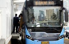 Selama PSBB Transisi Jam Operasional Transjakarta Diperpanjang - JPNN.com