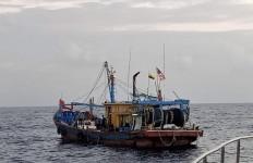 Kapal Ikan Asing Ilegal Asal Malaysia Lagi-lagi Masuk Perairan Indonesia - JPNN.com