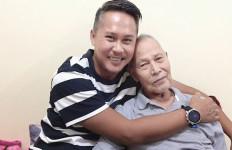 Kabar Duka, Ayah Ernest Cokelat Meninggal Dunia - JPNN.com