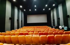 Bioskop Dibuka Lagi, Suami Istri juga Jaga Jarak? - JPNN.com