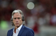 Pelatih Flamengo Merasa Aneh Positif Virus Corona - JPNN.com