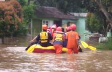 Ratusan Rumah di Depok Terendam Banjir, Padahal Tak Turun Hujan - JPNN.com
