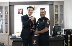 Bea Cukai Juanda dan Atase Korea Selatan Bahas Kerja Sama Impor Ekspor Kapal Selam - JPNN.com