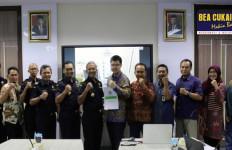 Bea Cukai Jateng DIY Terus Berikan Fasilitas Kawasan Berikat untuk Dorong Investasi dan Ekspor - JPNN.com