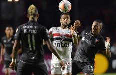 Begini Klub Sepak Bola di Brasil Memerangi Covid-19 - JPNN.com