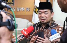 Fraksi PKS DPR Canangkan Gerakan Berbagi Masker dan Disinfektan Gratis di Rumah Ibadah - JPNN.com