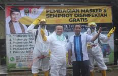 Jazuli Juwaini Pimpin Gerakan Pembagian Masker dan Disinfektan ke Rumah Ibadah - JPNN.com