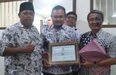 Pak Raden Mengabarkan Ada Kado Indah untuk Guru Honorer Non-K2 - JPNN.com