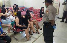 Malu di Depan Pak Polisi, Tetapi Pahanya Masih Kelihatan - JPNN.com