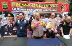 Sebar Hoaks Sekuriti Pingsan karena COVID-19, Dua Warga Tanjung Duren Ditangkap - JPNN.com