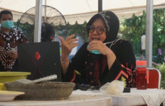 Cara Risma Mengisi Akhir Pekan di Surabaya - JPNN.com