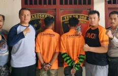 Cabuli Gadis Berusia 17 Tahun, Dua Penjahat Kelamin Ini Ditangkap di Pulau Panggung - JPNN.com