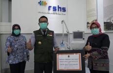 Lawan Corona, Danone Indonesia Berikan Ventilator ke RS Hasan Sadikin - JPNN.com