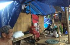 Tolonglah, Stok Bahan Pokok di Posko Pengungsian Banjir Lebak Menipis - JPNN.com