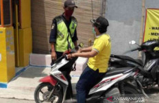 Perumahan di Bekasi Berlakukan Sistem Satu Pintu, Suhu Tubuh Setiap Tamu Dicek - JPNN.com