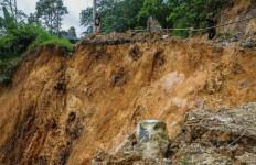 Hindari Jalan Cipanas Sampai Sukabumi, Bahaya! - JPNN.com
