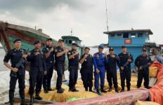 Bea Cukai-Polairud Kepung Kapal, Ternyata Tidak Ada Narkotika - JPNN.com