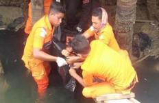 Mayat Laki-laki di Bawah Jembatan Itu Bikin Geger Warga - JPNN.com