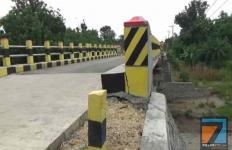 Baru Dibuat Akhir 2019 dengan Dana Rp 3,8 Miliar, Jembatan Gempol Kini Mulai Retak - JPNN.com