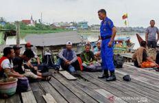 Speed Boat Pembawa 16 TKI Ilegal dari Malaysia Ditangkap Polair di Perairan Dumai - JPNN.com