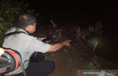 Dua Bocah Itu Menangis di Pinggir Sungai, Ternyata Dua Temannya Hanyut Terbawa Arus - JPNN.com