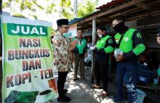 Gandeng Warung Rakyat, Bupati Azwar Anas Sediakan Kupon Makan Buat Pekerja Informal - JPNN.com
