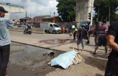 Jasad Nur Husein yang Terkapar di Jalan Langsung Ditutupi Kardus Bekas, nih Fotonya - JPNN.com