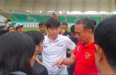 Shin Tae Yong: Kami Akan Bersama-sama Bergandengan Tangan - JPNN.com