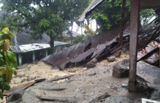 Longsor di Kabupaten Tanah Datar, 2 Orang Hilang - JPNN.com