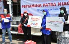 Lawan Corona, Pertamina Patra Niaga Distribusikan Makanan ke Tenaga Medis - JPNN.com