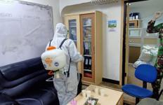 Satgas Covid-19 Lantamal III Semprotkan Disinfektan di Kantor Bakamla - JPNN.com