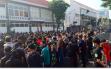 Alamak! 5 Ribu Orang Unjuk Rasa di Mapolrestabes Surabaya, Physical Distancing?