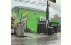 Viral Pria Begituan di Atas Sepeda Motor, Ya Ampun - JPNN.com