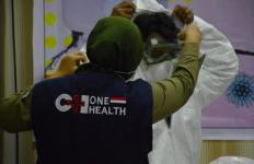 Alhamdulilah, RSUD Arifin Achmad Dapat Bantuan APD dari KLHK - JPNN.com