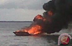 Bum! Kapal Perang di Kolinlamil Jakarta Utara Terbakar - JPNN.com