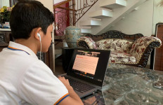 Gaji Guru Honorer Aman, Belanja Pulsa Tunggu Pencairan BOS Tahap II - JPNN.com