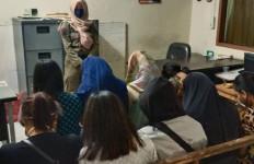 Delapan Pasangan Mesum Terjaring Tim Razia Pencegahan COVID-19 - JPNN.com