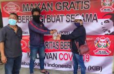Forum Relawan Jokowi Bagikan Makanan Gratis Selama 2 Minggu - JPNN.com