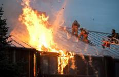 Permukiman Padat di Taman Sari Terbakar, Puluhan Rumah Hangus - JPNN.com