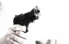 Minimarket Dibuka, Datang Tamu Tak Biasa Membawa Senjata Api - JPNN.com
