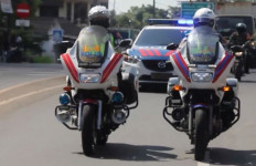 Polisi-TNI Kawal Ketat Distribusi Bahan Pokok Antisipasi Penjarahan - JPNN.com