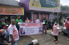 Dukung PSBB, Forum Relawan Jokowi Bagikan Makanan Gratis - JPNN.com